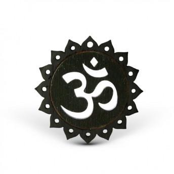 Amuleta din Lemn – OM, Negru 5,5 cm